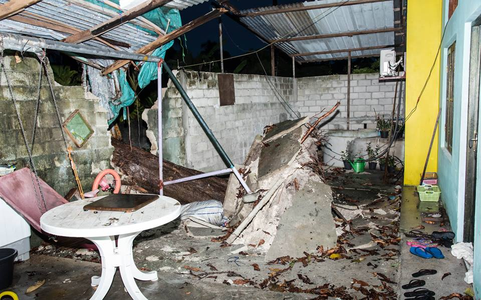 Tornado sweeps through Hithadhoo, Addu City
