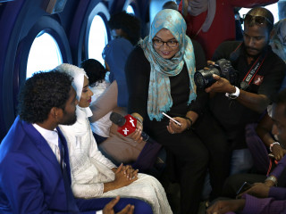 Maldivian couple weds 30m underwater